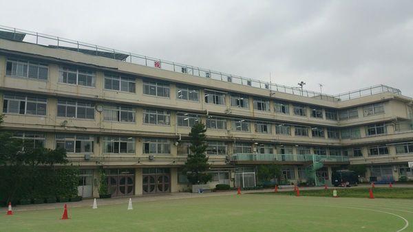 屋上看板の取付2校行いました。
