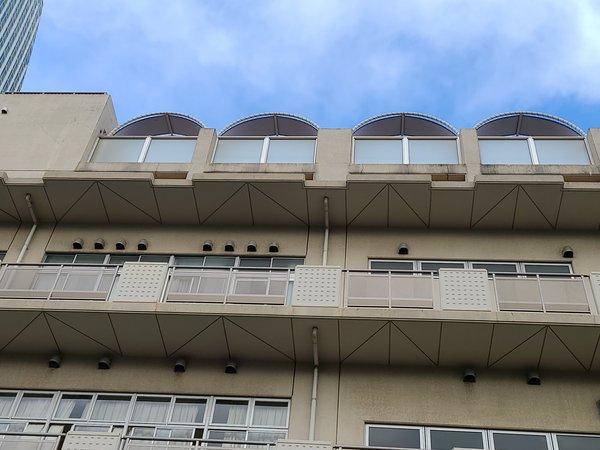 屋上・路面看板を取り付けました。